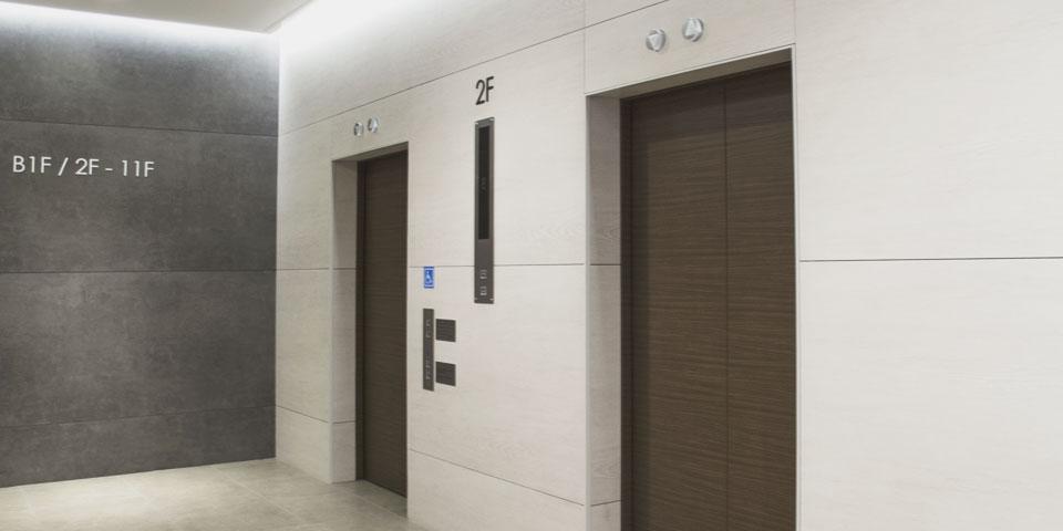 踏切、エレベーターなど非常用電源としての据置き電池