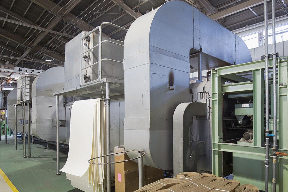 熱処理キュアー炉(非接触熱風処理)、ペーパー含浸加工(機能添加)1